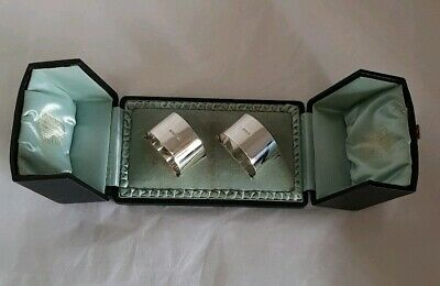 A pair of antique sterling silver Napkin Rings.Of plain form. Sheffield 1912