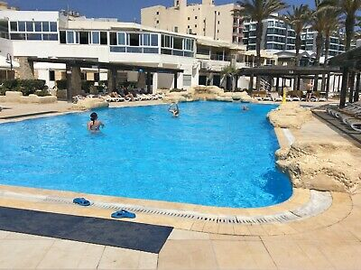 Luxury Self-catering two-bed apartment in four star resort in Qawra, Malta