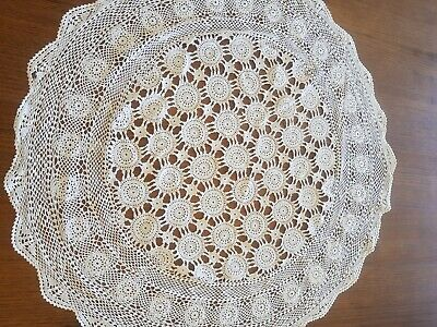 Beautiful Vintage Crochet Tablecloth roumd