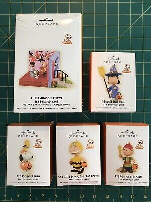 The Peanuts Gang Hallmark Halloween Keepsake Ornament 2009 Snoopy