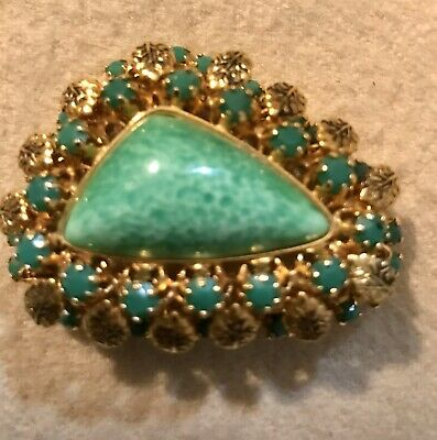 Beautiful Filigree Gold Tone w Mottled Green Cabochon Pin Brooch