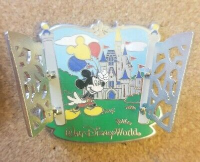 Disney Pin Red Mickey Mouse Cinderella castle gate opens! Walt Disney World WDW