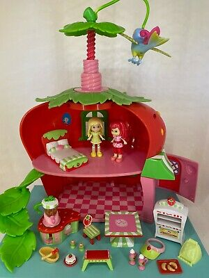 Strawberry Shortcake - Berry Cafe with Figures / Dolls & Accessories - Playset