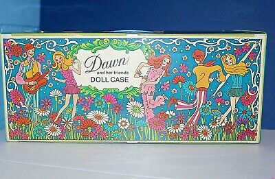TOPPER DAWN DOLL FLORAL FASHION BOOKLET WITH DAWN CASES ON BACKSIDE NEW COND