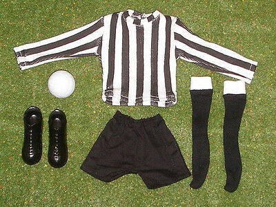 VINTAGE ACTION MAN 40th SPORTSMAN LOOSE FOOTBALLER BOOTS BLACK /& WHITE STRIP ETC