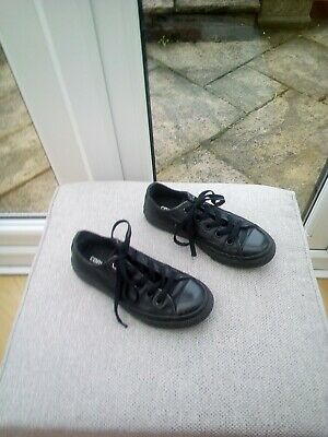 Girls Black Leather Converse Trainers Size Uk 12