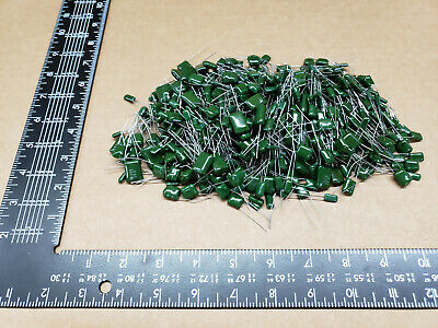 (500+ pcs) Chicklet (Greenie) Capacitor - Grab Bag, assorted values and voltage