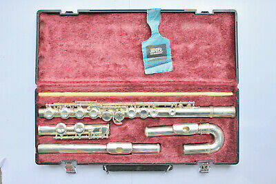 Jupiter Flute JFL 515 ES with straight and curved heads and hard case