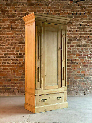 Arts & Crafts Pine Single Wardrobe early 20th Century Circa 1910
