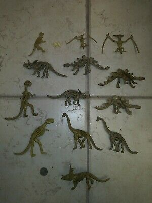 Plastic Dinosaur Action Figure Lot Of 14 Bones Skeletons Great Shape