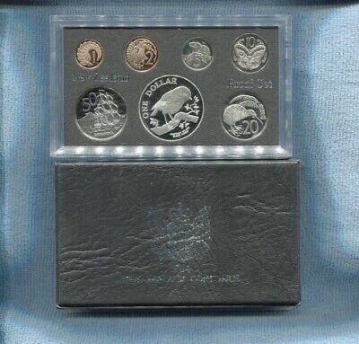 1984 NZ Proof Set New Zealand inc Black Robin Chatham ISLE Silver $1 coin B-903