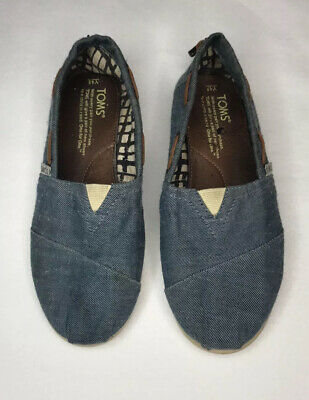 TOMS Girls Blue Chambray Classics Slip-On Sneaker Shoes Size 4.5Y