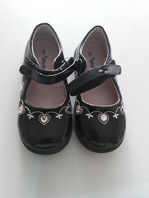 Walkright Girls Black and Pink Shoes UK 8 USED