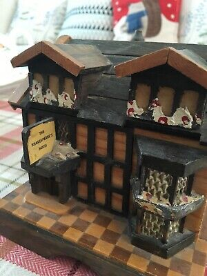 Vintage Thorens Moulin Rouge Music Box Shakespeare  Hotel