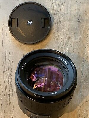 Hasselblad HC 100mm f2.2 with rear n front caps. No AF, sold as seen.Shutter 17k