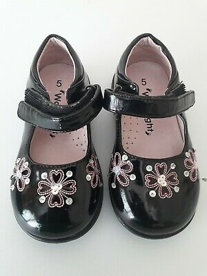 Walkright Girls Black and Pink Shoes UK 5 USED