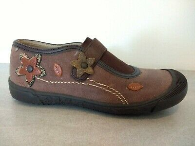 BNWB Girls leather shoes Size 32 (UK13 ) By Zapper's