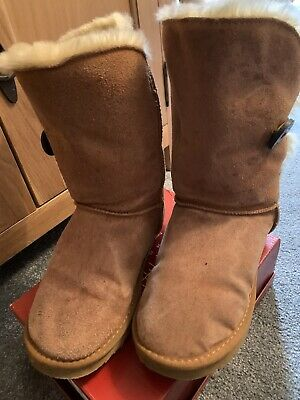 Girls Ladies Ugg Boots Size Uk 6 In Worn Cond Bailey Button Tan Brown