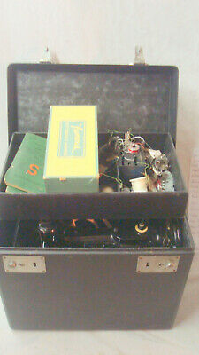 Nice Cond. Singer 221 Featherweight Sewing Machine & Case w/Many Accessories. NR