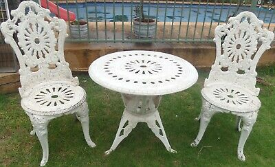 Retro/Vintage Cast Alumin Outdoor 3-Piece Lace Table/Chairs Set-Needs Repainting