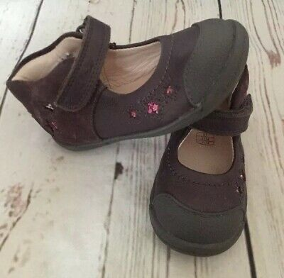 Baby Girls CLARKS Size 5 F Purple Leather  Shoes Excellent Condition !!!
