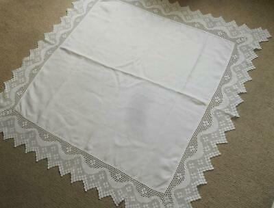 Vintage 50'S White Linen Table Cloth Hand Worked 14 Cm Deep Filet Crochet Lace
