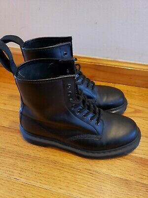 Dr. Martens 1460 Original-8 eye boot in Mono Black Size US 9 UK 8 EU42