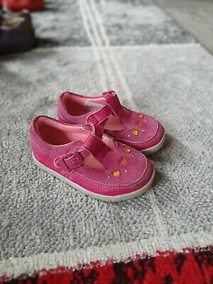 Girls shoes Clark's pink suede 4.5f