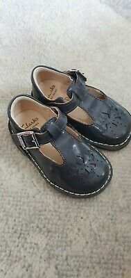 Girls shoes Clark's grey patent size 4.5g