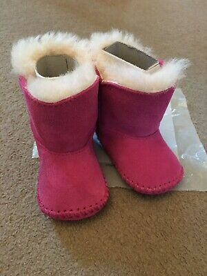 UGG  Pink Winter Girls Boots Size 0/1 O-6 Months New With Box Shoes Baby