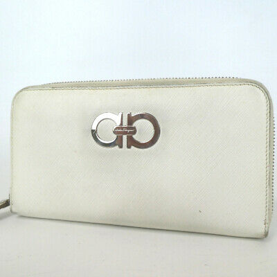 Authentic Salvatore Ferragamo Gancini purse leather[Used]
