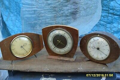 3  Clocks For  Spares To  Repair  1 Working