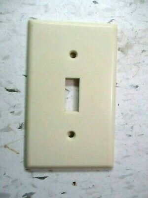 Leviton USA Switch Plate Wall Cover Smooth Ivory Beige Bakelite Single 1 Vintage