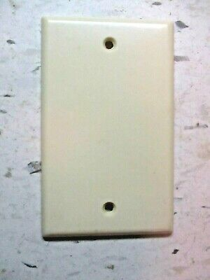 Leviton Blank Plate Splice Box Wall Cover Smooth Ivory Beige Bakelite 1 Vintage