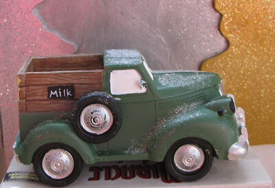 2010 Retired Miracle on 34th Street Village Accessory Milk Delivery Truck Enesco