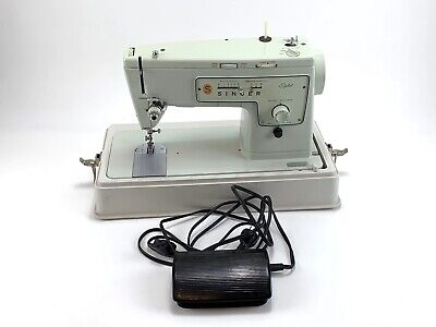 Vintage SINGER Stylist 413 ZIG ZAG SLANT SEWING MACHINE w/Power Cord,Pedal,Case