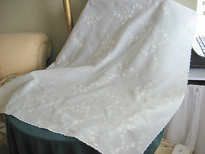 """Vintage Table Topper white, with crewel like embroidery (43"""" x 42 1/2"""")"""