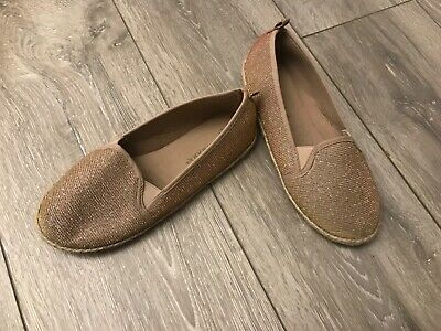 Bnwt girls shoes gold glitter size 2 (35)