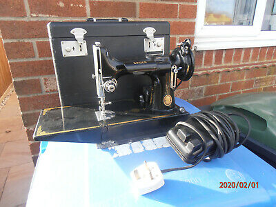 Vintage Boxed 1952 Singer Featherweight 221K S1 Sewing Machine