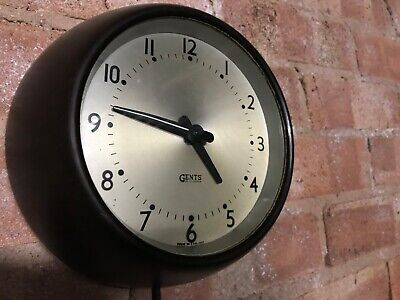 Vintage Retro Gents Bakelite Wall Clock - Small