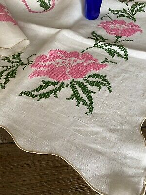 Vintage Handmade Pink Floral Cross Stitch Linen Tablecloth 🌸