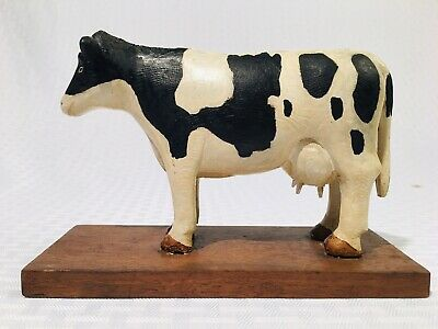 ANTIQUE C. 1920s FOLK ART HAND CARVED & PAINTED WOODEN COW SCULPTURE GLASS EYES