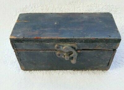 Antique Carved Rare Primitive Jewelry Bo Wooden Vintage