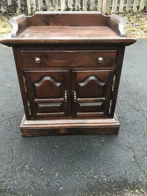 Ethan Allen Dark Antiqued Pine Old Tavern Commode Cabinet Nightstand