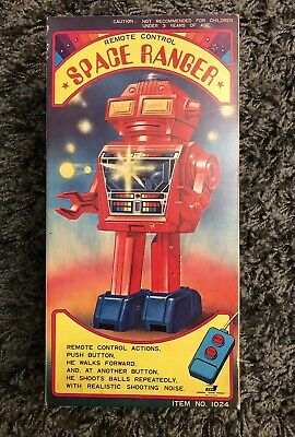 UNUSED Space Ranger Robot Japan Vintage Toy Battery Operated Remote Control NEW