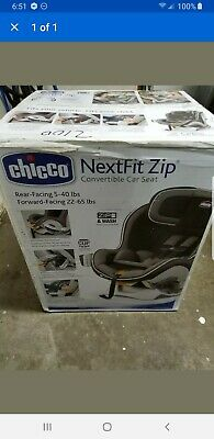 Chicco NextFit Zip Air Convertible Car Seat.Color: Azzurro