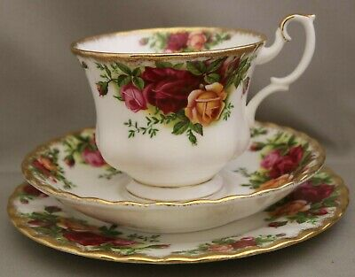 """Royal Albert Tableware - """"Old Country Roses"""" *Trio* (Cup/Saucer/Plate) - Bargain"""