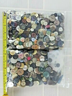 Mixed Buttons crafting various colours sizes sewing                UK FREEPOST 1