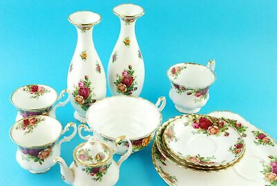 Royal Albert Old Country Roses Bone China Tea Set With 2 x Vases 11 Pieces