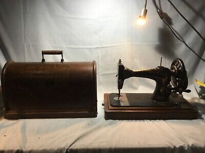 Vintage Hand Crank Singer Sewing Machine  11232743